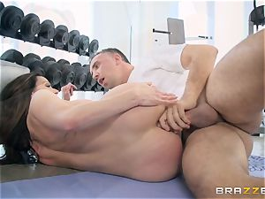naughty dark haired Kendra enthusiasm assfuck smashed at the gym