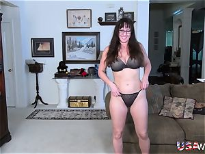 USAwives Mature nymph fellatio and fucktoy getting off
