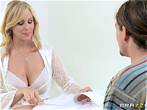 Julia Ann gives her some unforgettable fuckfest lessons