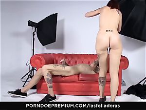 LAS FOLLADORAS - Auburn haired babe fucks fledgling guy