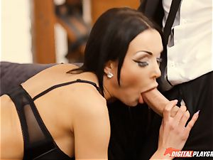 Patty Michova has her handsome snatch eaten and then deep-throats lengthy pecker