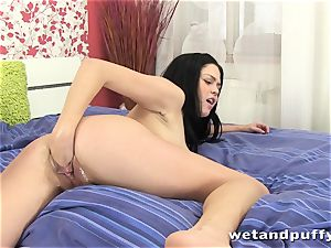 jaw-dropping big-titted nymph handballing her moist coochie