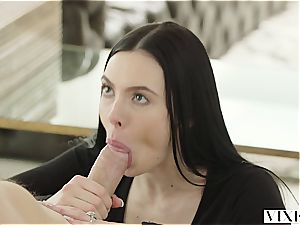 Marley Brinx has an extramarital adventure with her boss Mick