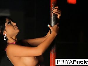 unclothe club spectacle by Indian ultra-cutie Priya Rai