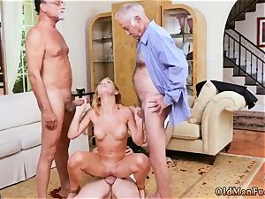 creampie ample bosoms cougar stunner Frannkie And The gang Tag crew A Door To Door Saleswoman