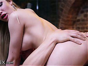 erotic fucky-fucky on the rubdown table