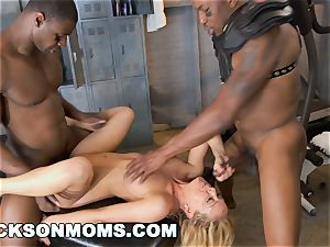 Cherie Deville castings to be the team superslut (xa15243)