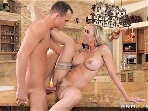 ravaging cougar Brandi enjoy balls deep