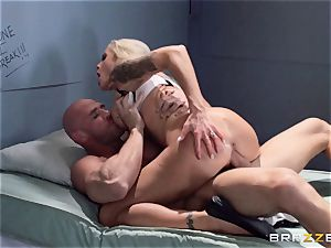 Nina Elle smashes a uber-sexy con in front of her cheating spouse