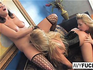messy lil' threesome With Avy Scott