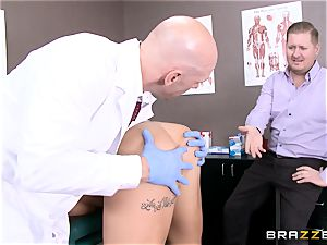 Austin Lynn fucks the physician in front of her man