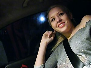 cute Lola Taylor gets sugary-sweet banging on the back seat