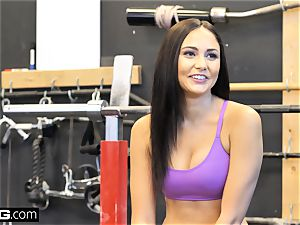 ravage Confessions Ariana plumbs a random stud at the gym