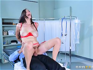 Holly Michaels getting warm and sweat-soaked with Kerian Lee