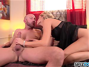 Spizoo - handsome Jessa Rhodes is nailed by a phat prick