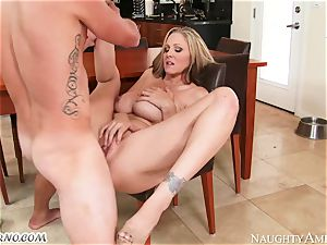 youthful dude nails his girlfriend's super-naughty mom