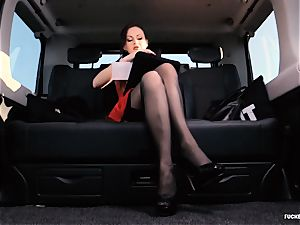 romped IN TRAFFIC - british Tina Kay boinked in the car