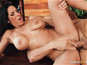 Veronica Rayne bashed and jizzed on her fabulous face