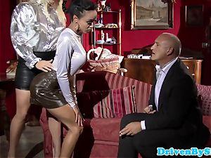 Bigtitted prostitutes cum-exchanging after triosex