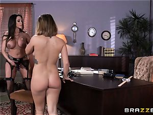 dirty teacher Ariella Ferrera entices schoolgirl Keisha Grey