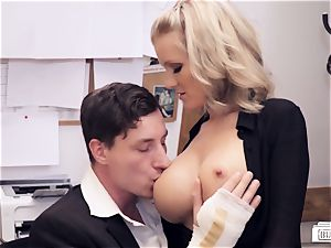 arses BUERO - nasty office lovemaking with German assistant