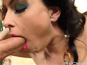 antique manmeat eating brunette bombshell Jessica Jaymes