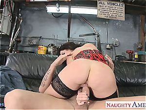 Jayden James opens wide to fit his phat spear inside her