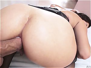 thick Latina takes it all in