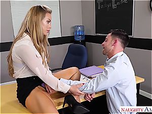 The finest teacher Nicole Aniston wants salami for her bliss