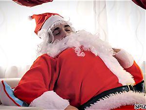 Spizoo - witness Jessica Jaymes nailing Santa Claus