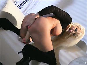 Britney Amber toys in her cooch