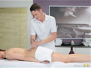 Ariella Ferrera has a steaming massage planned